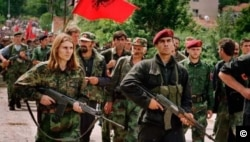 Rebels of the Kosovo Liberation Army in 1999