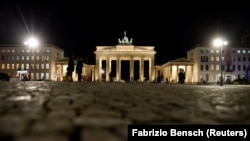 The Brandenburg Gate is pictured, amid the coronavirus disease (COVID-19) pandemic during lockdown in Berlin, Germany, January 22, 2021.