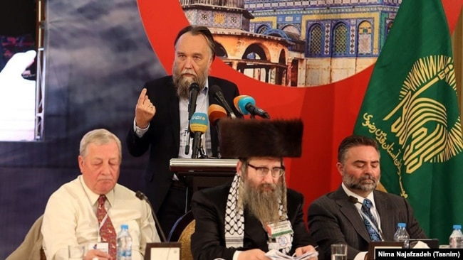 "Iran -- Russian political analyst Aleksandr Dugin speaking in the sixth ""New Horizon"" seminar in Mashhad, on May 12, 2018."