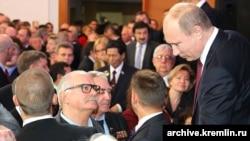 Russia -- Nikita Mikhalkov (Left), Vladimir Putin