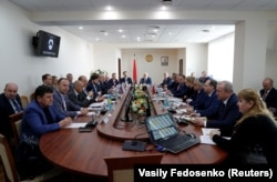 BELARUS -- Representatives of Russian Transneft, Ukranian Ukrtransnafta, Polish Pern and Belarusian Belneftekhim gather to hold talks on fixing tainted oil supplies to Europe, in Minsk, April 26, 2019