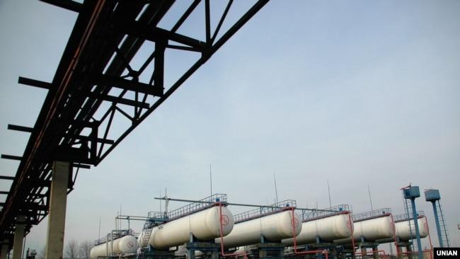 Ukraine -- the Kremenchug oil refinery