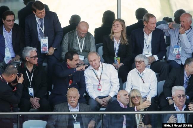 RUSSIA – Russia's prime minister Dmitry Medvedev, King of Bahrain Hamad bin Isa Al Khalifa, Russia's president Vladimir Putin. Sochi, 12Oct2014