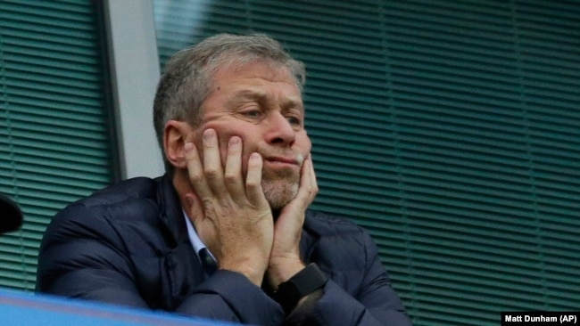 U.K. -- Chelsea soccer club owner Roman Abramovich sits in his box before the English Premier League soccer match between Chelsea and Sunderland at Stamford Bridge stadium in London, December 19, 2015