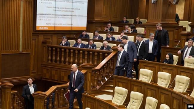Moldova - Moldovan PM Pavel Filip in Parliament, Chisinau